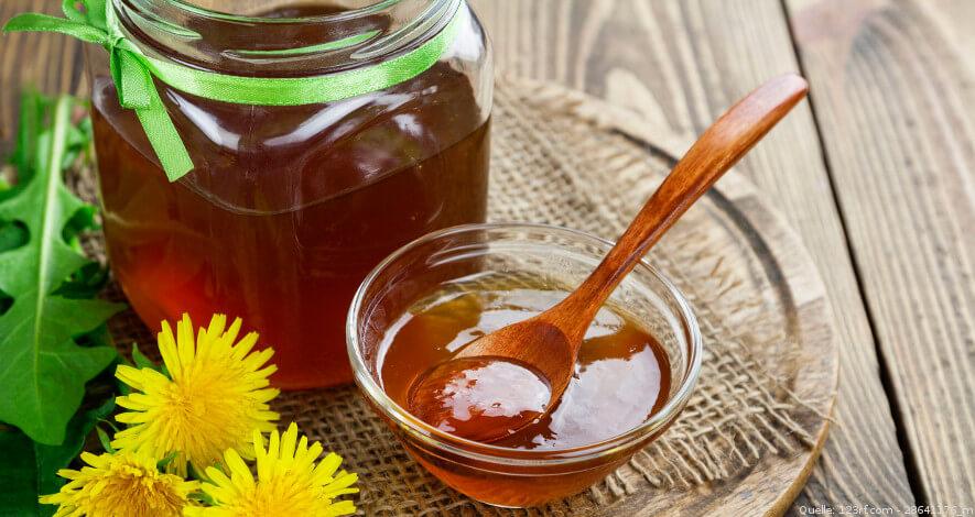 Pflanzlicher Honig im Glas